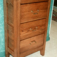 Small oak tall dresser 3 drawers