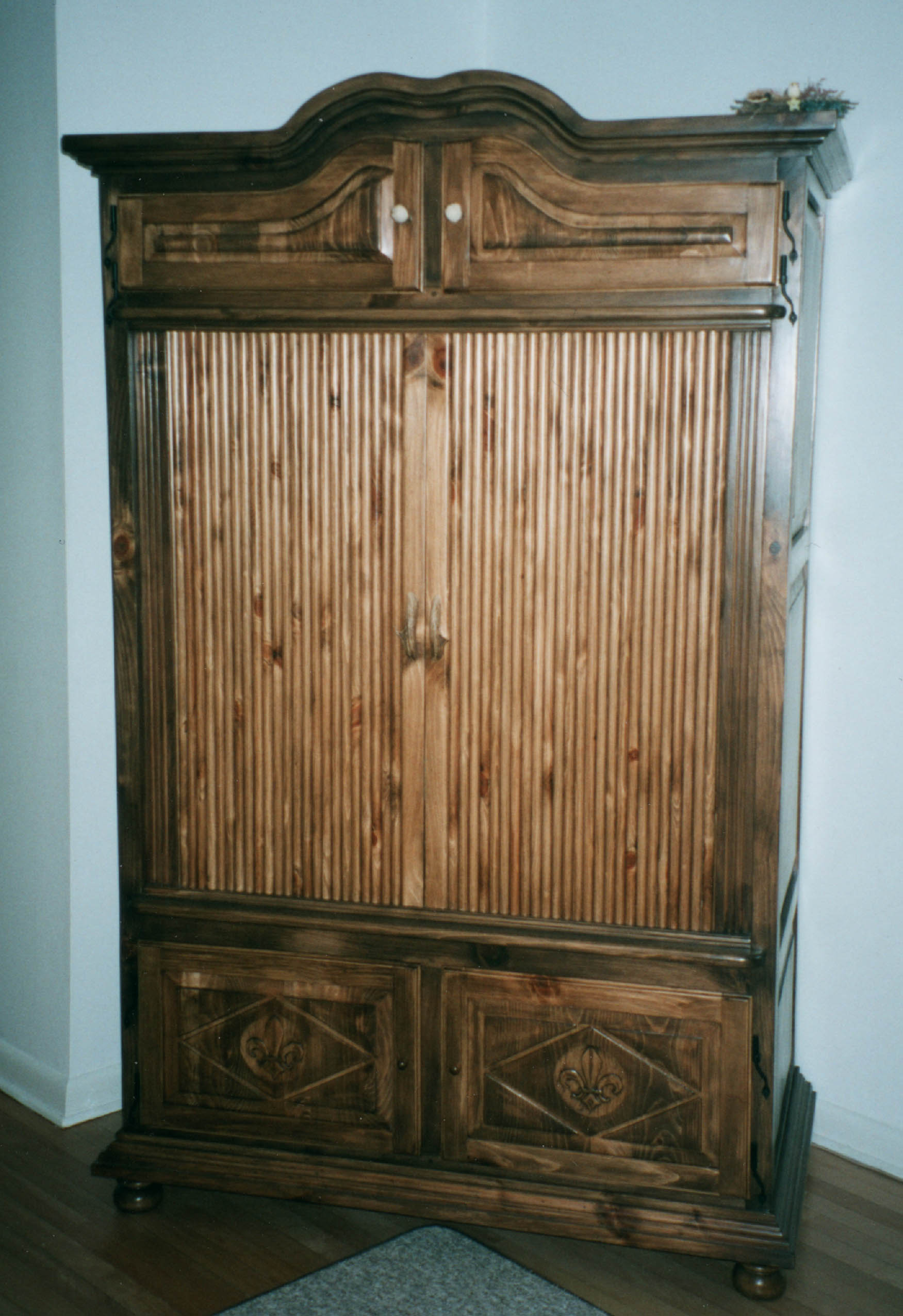 Cabinets for Armoire tv