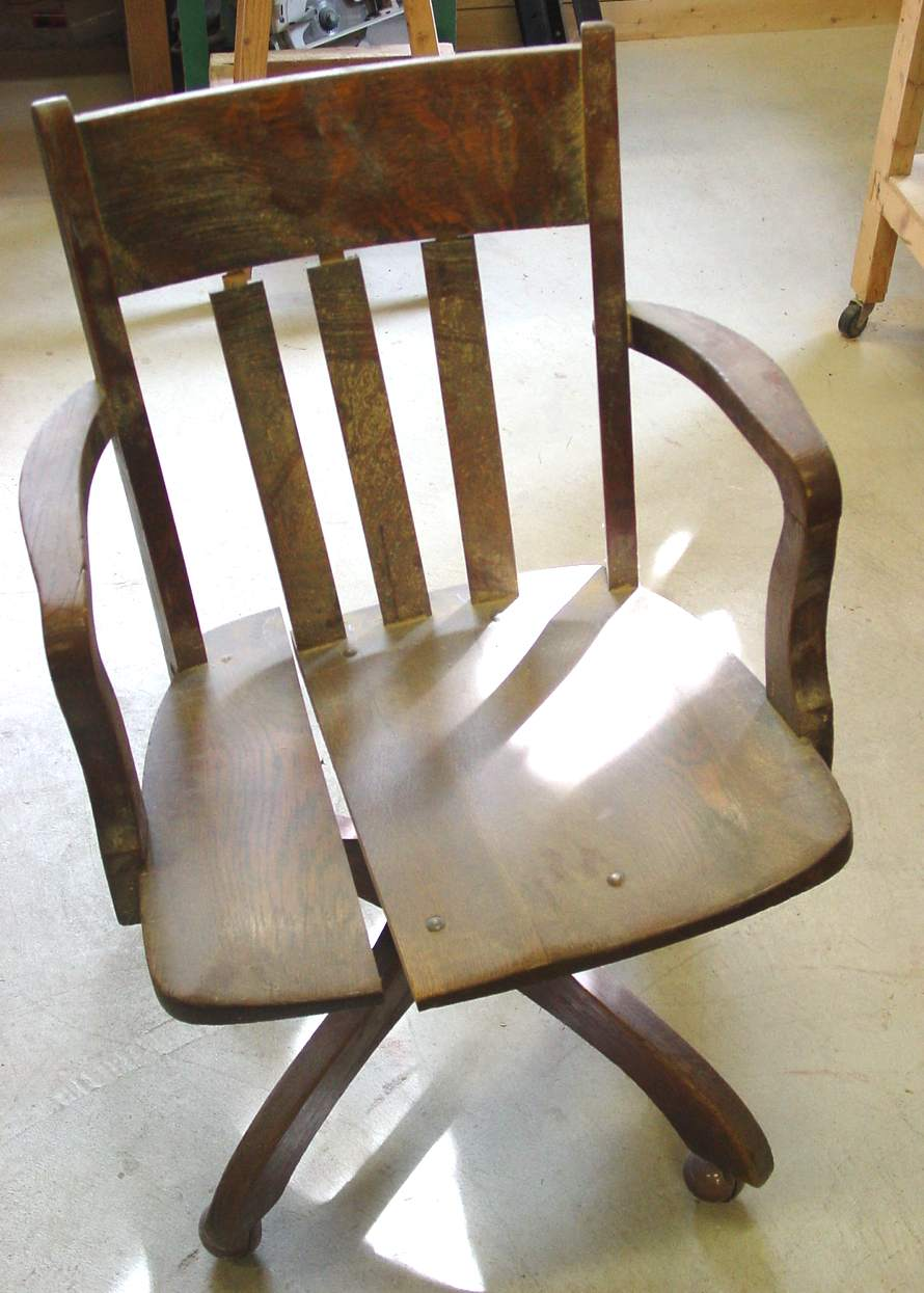Charmant ... Roll Top Desk Chair Before (104866 Bytes)